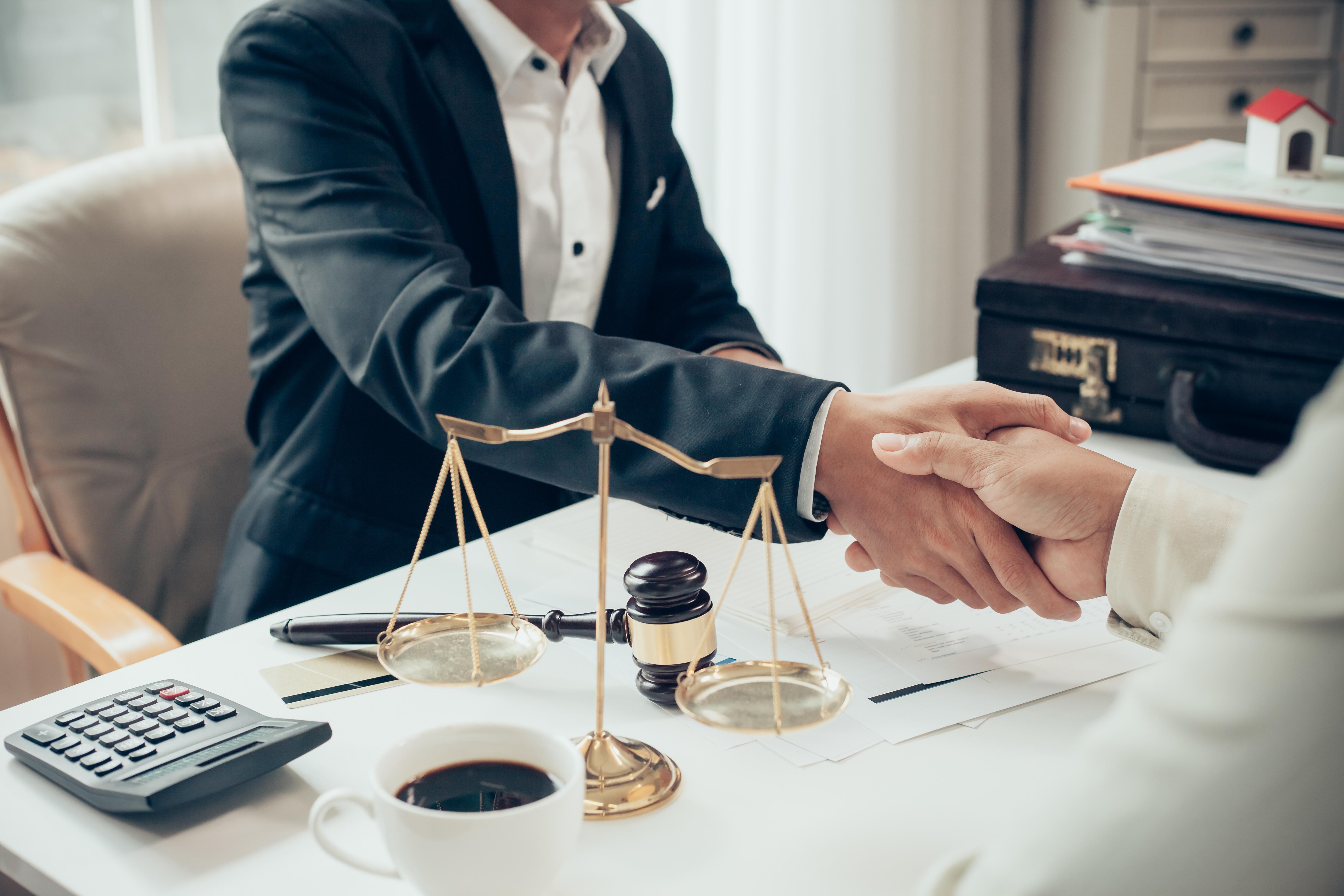 engager-avocat-services-juridiques-ville-quebec