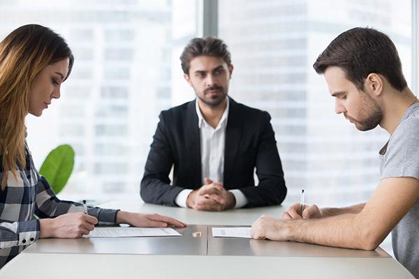 reglement-differend-hors-cours-negociation-arbitrage