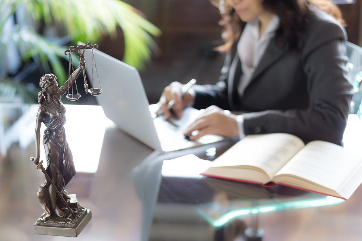 trouver-engager-meilleurs-avocats-services-gatineau