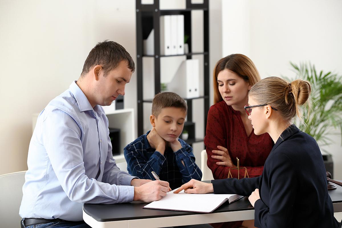 services-avocat-droit-famille-demande-garde-enfant-pension