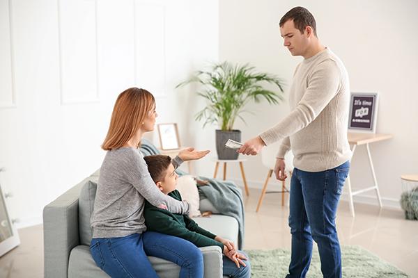 paiement-pension-alimentaire-enfant-majeur-lois-fonctionnement-avocat