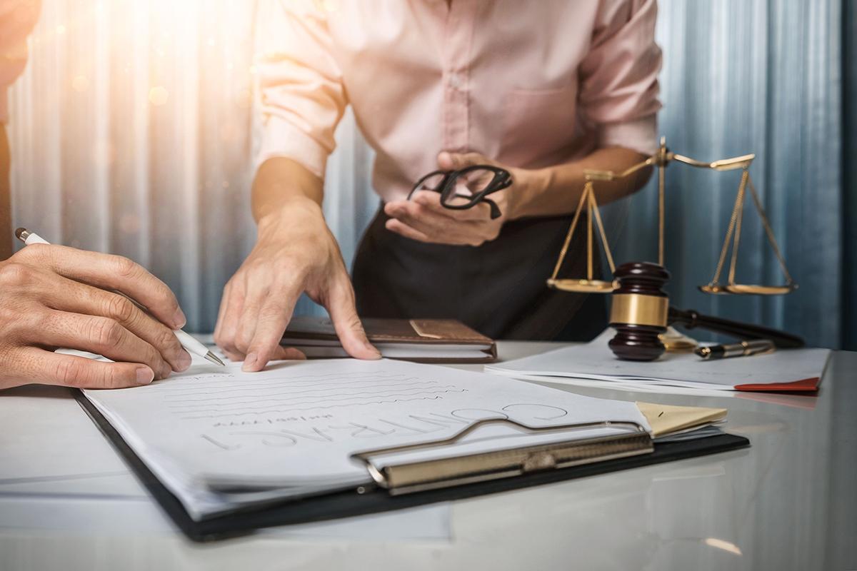 trouver-engager-meilleurs-avocats-legal-saint-jerome