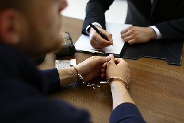 Les infractions sommaires et les actes criminels