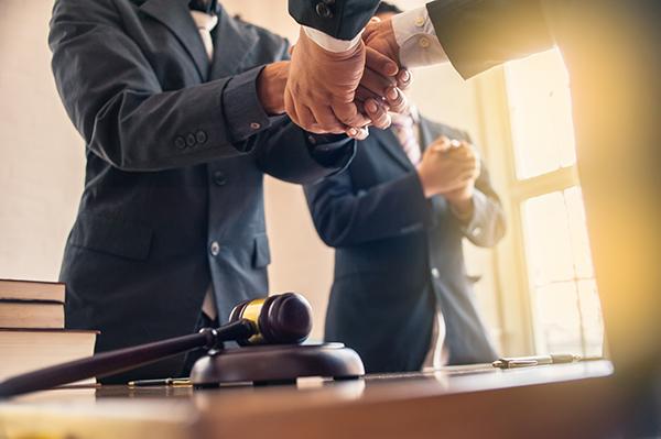 Qui sont les meilleurs avocats criminels pour alcool au volant?
